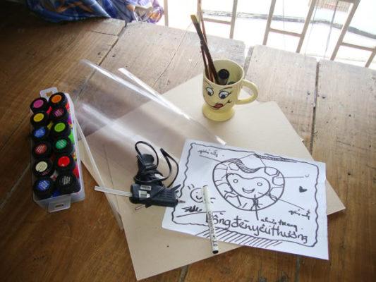 Làm lồng đèn bằng giấy hình trái tim 1
