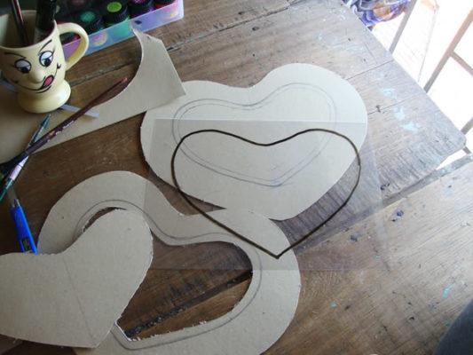 Làm lồng đèn bằng giấy hình trái tim 3