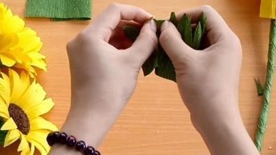 làm bó hoa hướng dương handmade bằng giấy