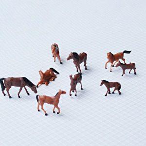 Mô hình con ngựa nâu